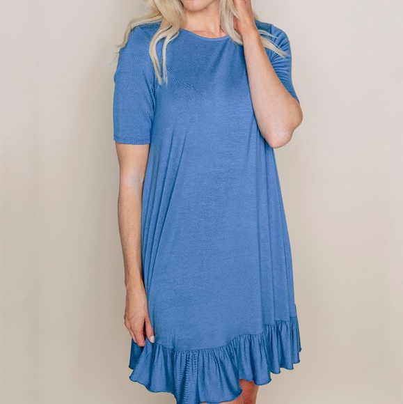 Amelia James Dresses & Skirts - Short Sleeve Ruffle Dress